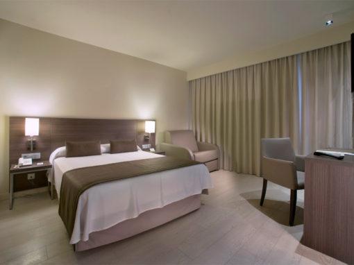 MEDITERRÁNEO suites